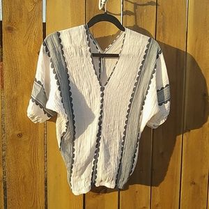 Super cute, unbranded top   BOHO style